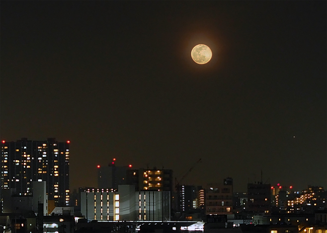 月ストロベリームーン