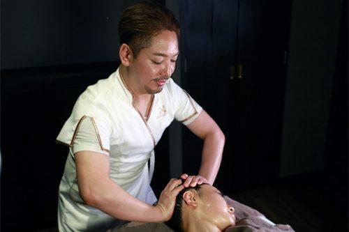 樋口先生ヘッドスパセラピスト10月01